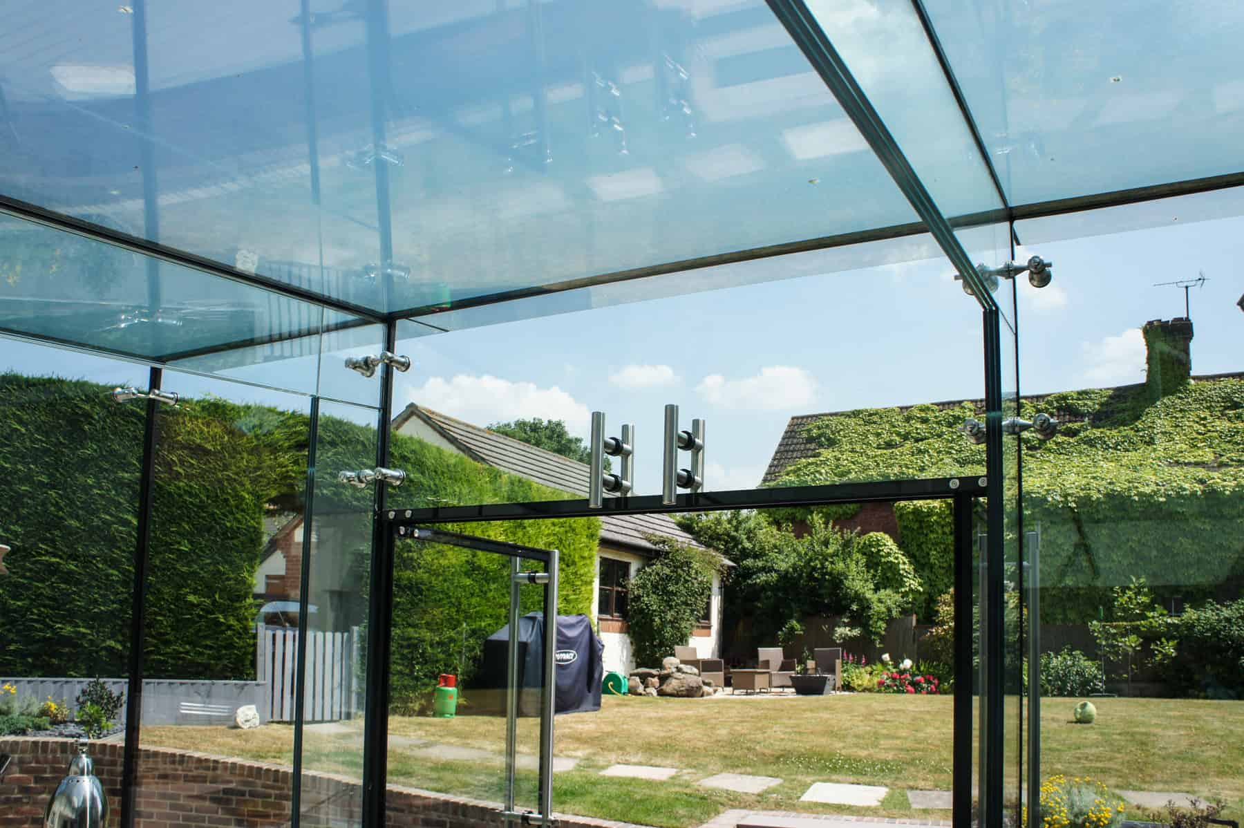 Structural Frameless Glass : Swindon wiltshire architectural glass clear living